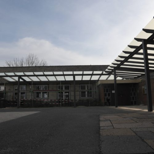 Neues Dach, lichtdurchflutet
